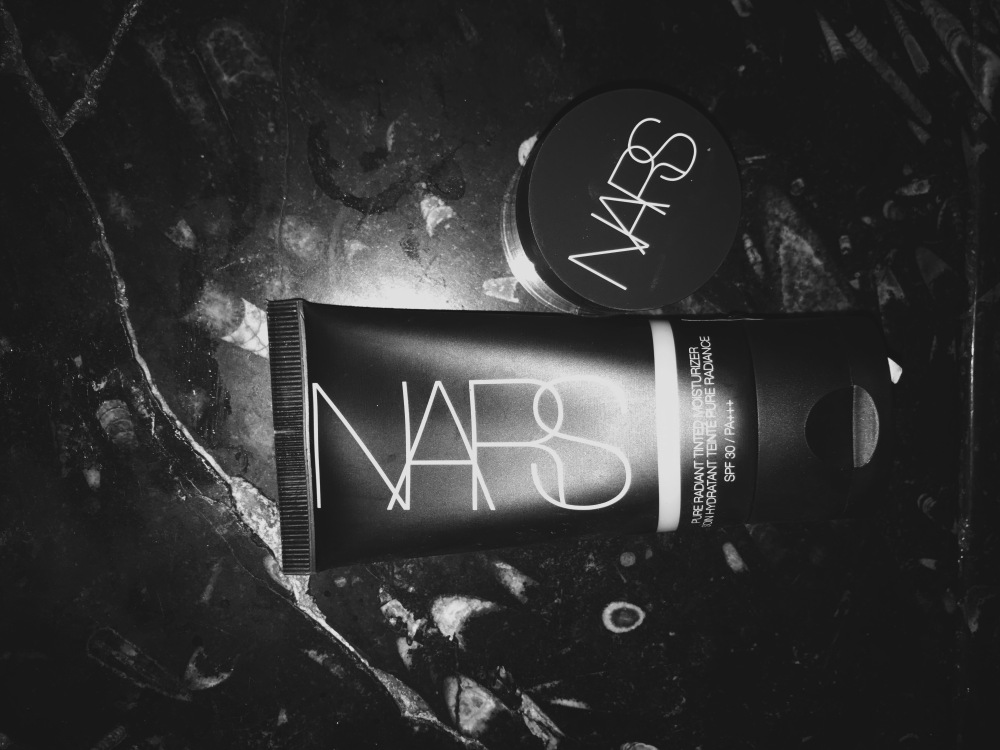 NARS Cosmetics - Pure Radiant Tinted Moisturiser - Soft Matte Complete Concealer